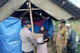 Polres Aceh Timur bagi 525 paket sembako untuk masyarakat kurang mampu
