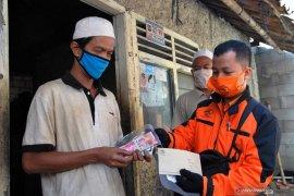 Pemkot Bogor bagikan BLT ke warga terdampak COVID-19 lewat Pos