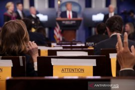 Trump sebut pernyataannya soal disinfektan dalam tubuh adalah sarkastik
