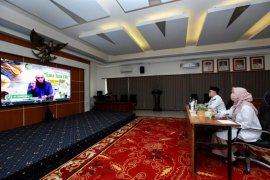 Seminar daring Banyuwangi, dr Zaidul ajak masyarakat konsumsi rimpang