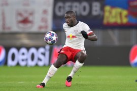 Bayern Muenchen berpeluang tarik Dayot Upamecano  dari Leipzig