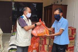 YBM PLN Aceh serahkan bantuan untuk penyandang disabilitas