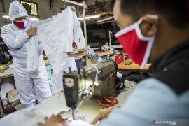 Penjualan APD produksi garmen di Denpasar naik  100 persen