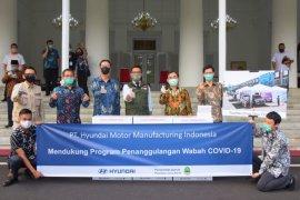 Hyundai Indonesia salurkan bantuan 10 ribu set APD untuk penanggulangan COVID-19 di Jabar