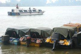 Cegah tak angkut penumpang, KSOP Tanjung Pandan awasi kapal logistik