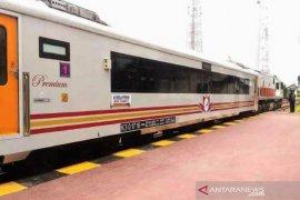 KAI Sumut hentikan seluruh perjalanan kereta api jarak menengah