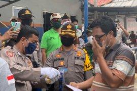 Kapolres Bangka Barat cek pelaksanaan larangan mudik di Pelabuhan Tanjungkalian