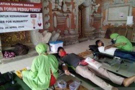 Masyarakat Gianyar donor darah bantu stok darah PMI