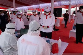 Rapid test, Relawan Indonesia Bersatu menjemput bola ke kelurahan