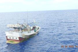 Masuk laut Sulawesi, kapal ikan ilegal asal Filipina dan Taiwan dilumpuhkan