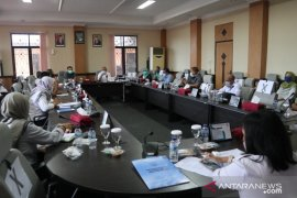 Pemkab Belitung Timur bahas pengalokasian anggaran COVID-19