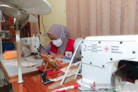 PMI-Bulan Sabit Merah Turki produksi ribuan masker kain untuk warga Palu