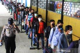 Dishub Dumai siagakan petugas tegakkan Prokes angkutan penumpang