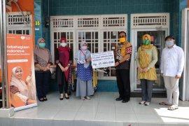 ASN Kalbar salurkan bantuan kepada masyarakat terdampak COVID-19