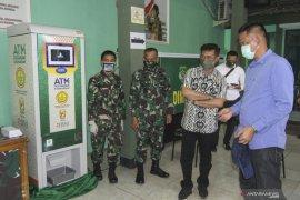 Mentan kunjungi Makodim Depok tinjau bantuan melalui ATM beras berjalan baik