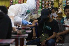 Restoran hingga warung dilarang layani makan di tempat saat PSBB Surabaya