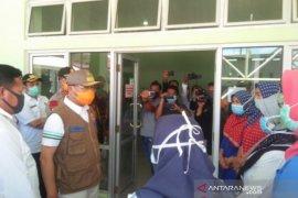 Pemprov Bengkulu berikan APD kepada bidan untuk cegah COVID-19