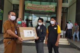 Anggota dewan sumbang 1.000 Masker untuk tenaga medis di Tabalong