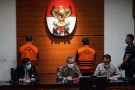 KPK tahan Ketua DPRD  Muara Enim