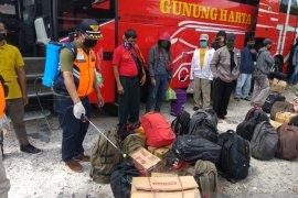 Dishub  pantau warga keluar masuk Denpasar