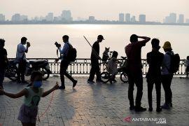 Sekolah Vietnam dibuka kembali setelah pelonggaran pembatasan