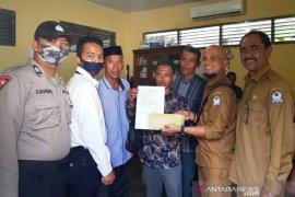 Sejumlah kepala desa di Aceh Barat kembalikan sisa bantuan ke pemkab