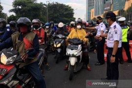 Minim sosialisasi, PSBB di Surabaya banyak pelanggaran