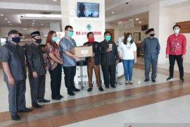 DPRD Kota Tangerang berikan bantuan obat herbal  tangani COVID-19