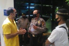 Polisi bubarkan acara ulang tahun di Hotel