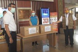 Menkumham distribusikan 2.000 paket bansos untuk warga Tangsel dan Bekasi