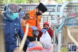 Bupati Trenggalek pantau distribusi bantuan sosial