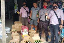 Polisi Indramayu sita ratusan botol minuman keras