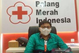 PMI Banjarmasin berikan paket sembako bagi warga yang donor darah
