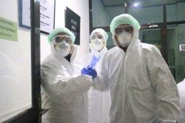 Wali Kota pantau pemeriksaan sampel pasien COVID-19 di BBTKLPP
