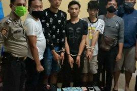 "Warga Riau korban komplotan ""begal"" mengaku petugas di Simalungun"
