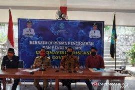Bupati Bangka apresiasi pengusaha salurkan bantuan APD untuk tenaga medis