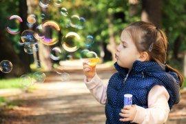 Tips mengasuh anak selama pandemi, bahagiakan dulu diri sendiri