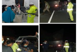 Dua remaja tewas setelah motornya tabrak truk fuso di Patek, Aceh Jaya