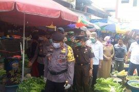 Wali Kota Ternate belum setuju tutup aktivitas pasar