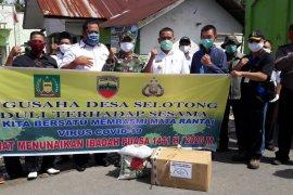 Antisipasi COVID-19, Pengusaha Selotong Langkat bagikan 1.400 paket sembako