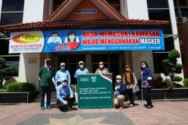 Respons kebutuhan paramedis di tengah pandemi COVID-19, Asian Agri bantu APD untuk RSUP Adam Malik