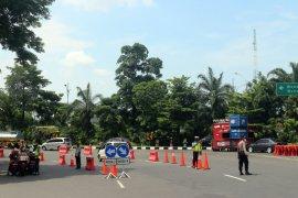 Volume kendaraan di Jalan Ahmad Yani Kota Surabaya turun 24 persen