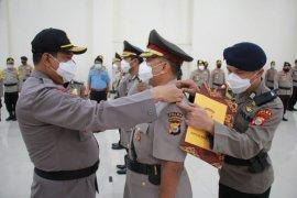 Kapolda Malut pimpin sertijab Kabid Propam dan kabid TIK