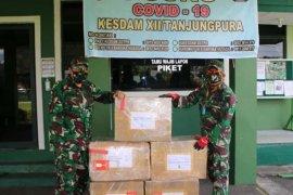 Puskes TNI berikan bantuan Almatkes pada Kesdam XII/Tpr