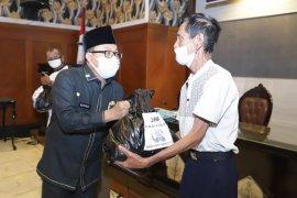 Pemkot Malang distribusikan 1.825 Kartu Bantuan Sosial