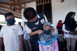 Anggota DPRK Banda Aceh bagikan seratusan masker untuk anak-anak