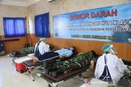 Lanud I Gusti Ngurah Rai bantu tambah stok darah PMI