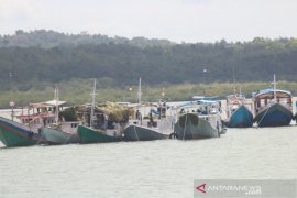 Pemkab Kepulauan Tanimbar hentikan operasional ratusan kapal nelayan asal Buton