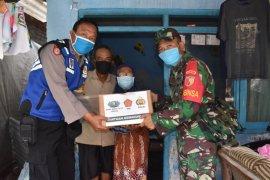 Polresta Sidoarjo salurkan 1.000 paket bahan pokok