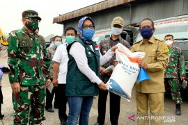 Bantuan sosial beras Kabupaten Bogor dibagikan secara bertahap